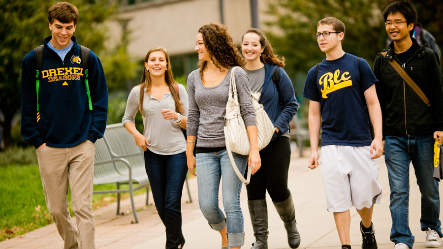 BLC students walking across campus