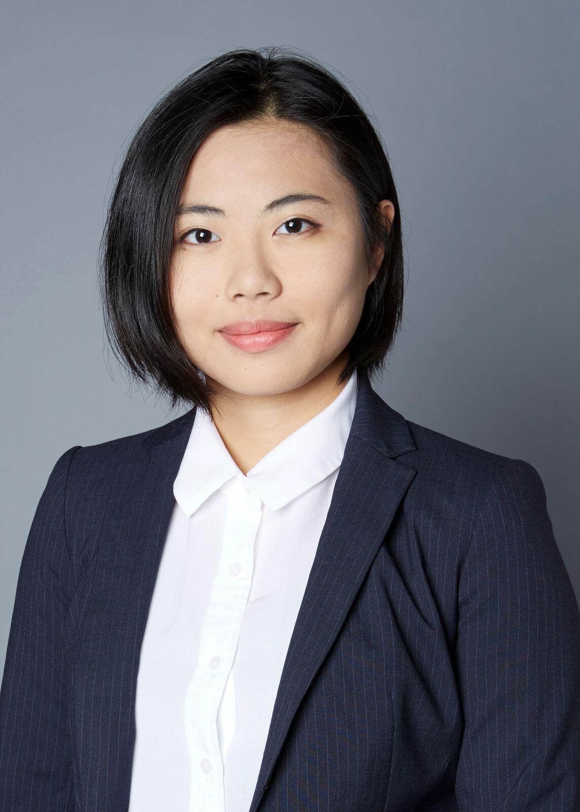 Professional Photo of Hong Li