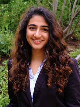 headshot of Naquiya Barwaniwala