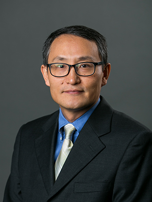 Headshot of Jeongsik Lee