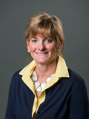 Headshot of Lisa Bogan