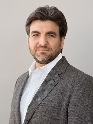 Headshot of Daniel Korschun