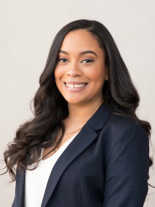 Headshot of Yasmeen Mayes