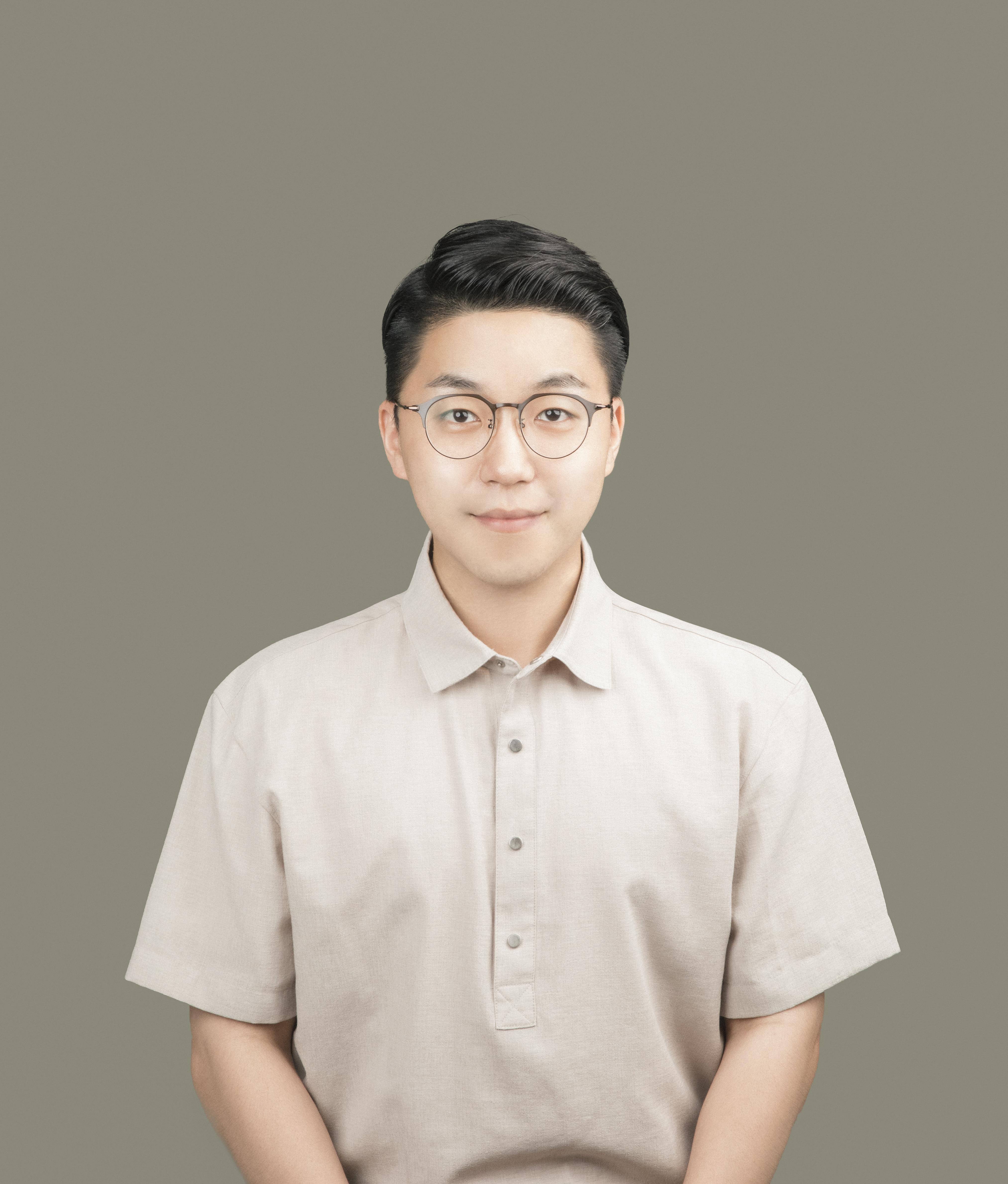 Headshot of Youngdai Won