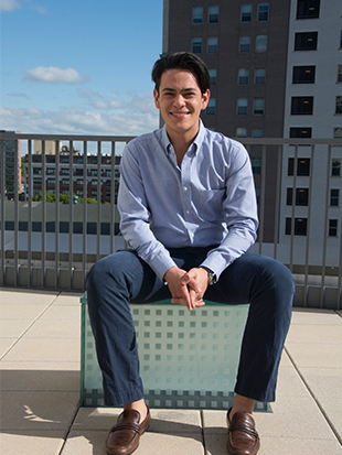 Headshot of Gabriel Liu