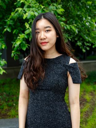 Headshot of Linh Nguyen